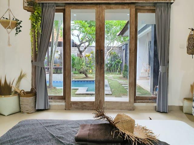 2nd Bedroom Amenities: - King Bed - 2 Pillows - 2 Bolsters - Bath Towels - Pool Towels - Laundry Basket - Clothing Rack & Hanger - Overlooking Pool