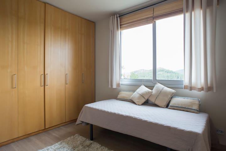 En-suite single room - Habitación Individual Anexa a la Suite