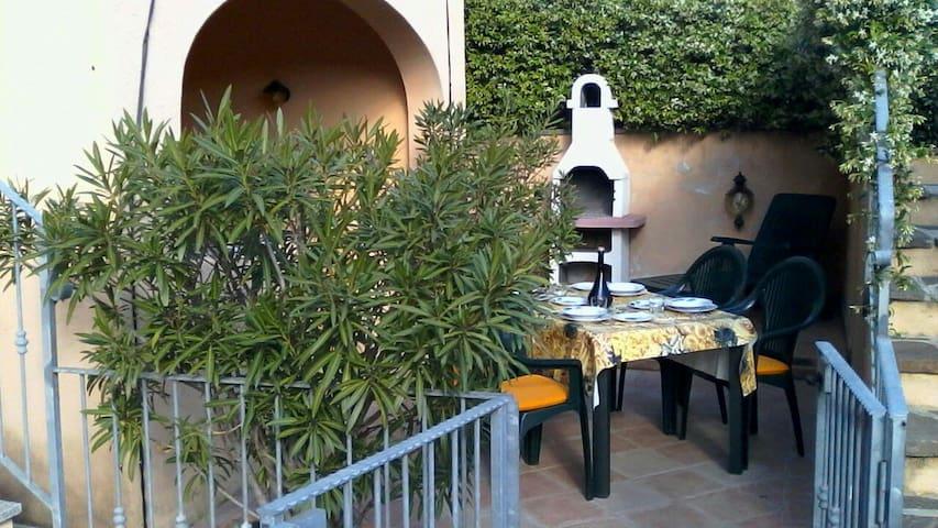 """""""Grazioso appartamento con tutti confort"""" - San Teodoro - Apartmen"""