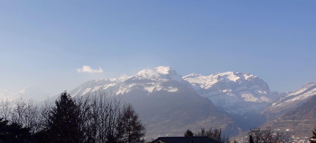* FANTASTIC Swiss Panorama Chalet * - Leuk - 샬레(Chalet)
