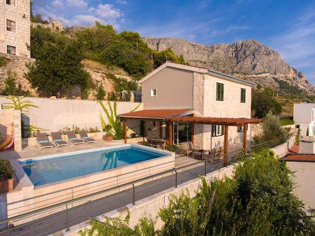 Villa Kate Dalmatian stone house - Podgora - Villa