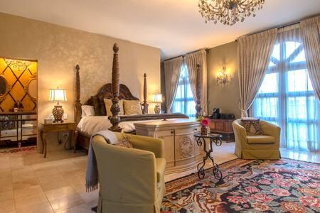 Casa La Chispa Romantic suite