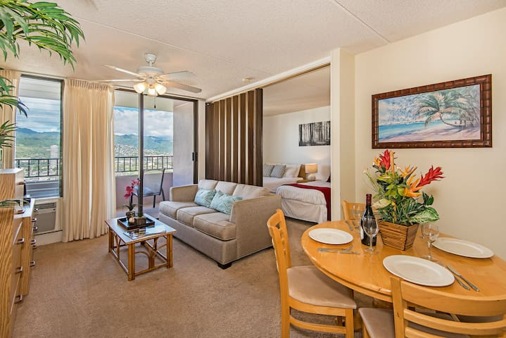 Professionally Sanitized*Charming Condo w/Full Kitchen+Beautiful View+Parking - Royal Kuhio City 1 BDR on the 25th Floor