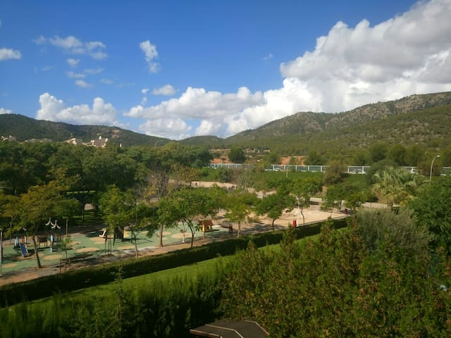 Nice views, terrace and parking. - Calvià - Apartament