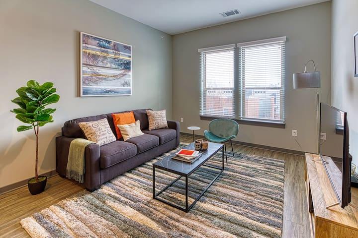 Kasa | Columbia | Exquisite 2BD/2BA Apartment