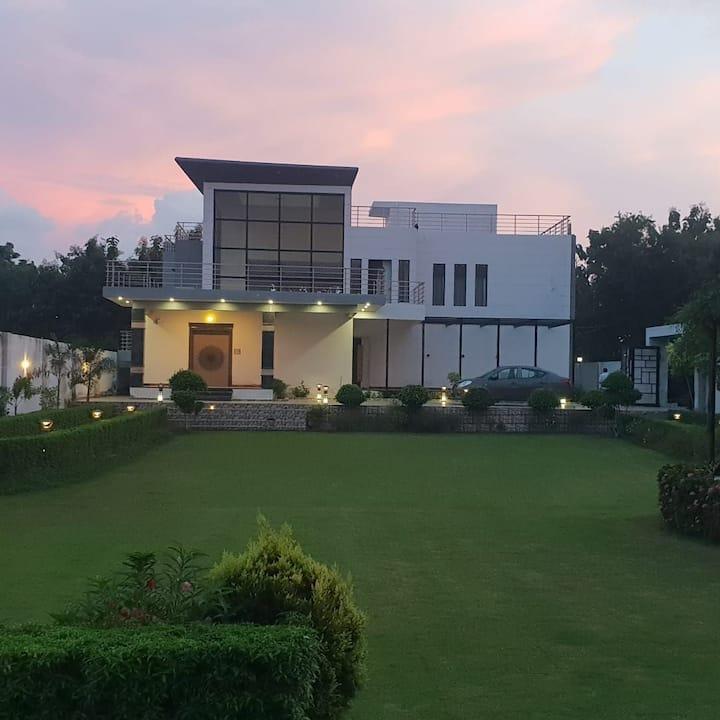 DeepVee Villa