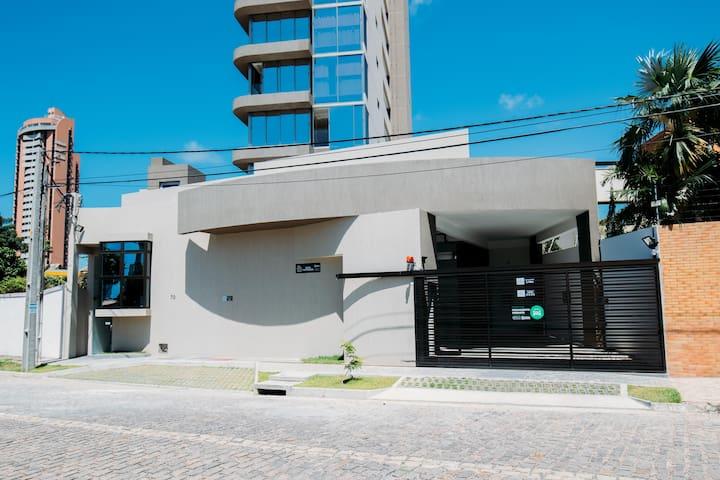Flat Super Luxo 2/4 Ponta Negra - Próximo a Praia