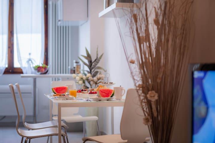 Novella White Lily Apartament