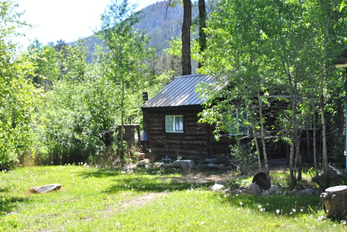 Rustic cabins on the Poudre river The Easy Rider - Bellvue - Cabin