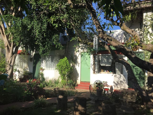 La Casita, charming 1BD with pool