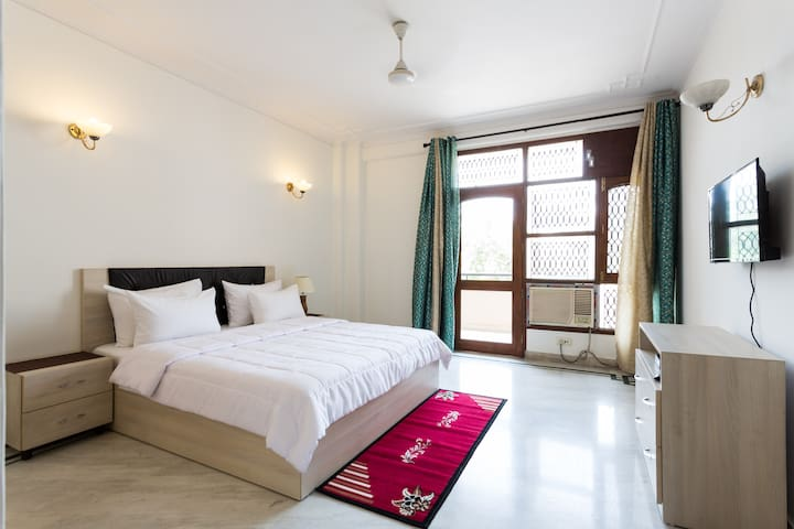 Luxurious Room in DLF Phase 2 near MG Road - Gurgaon - Huis