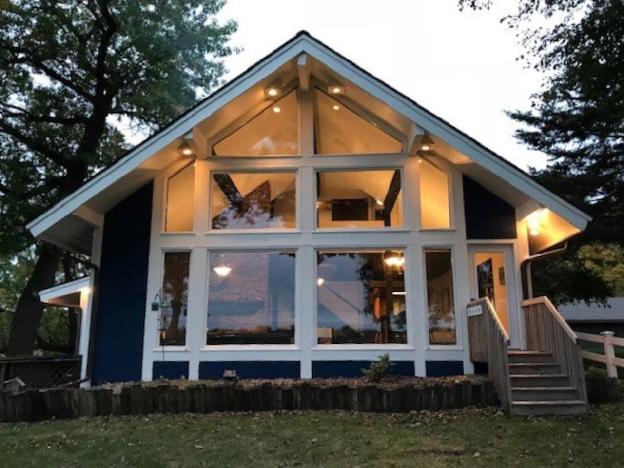 2 Story Chalet Style Loft!  Gorgeous Lake Views from both levels!