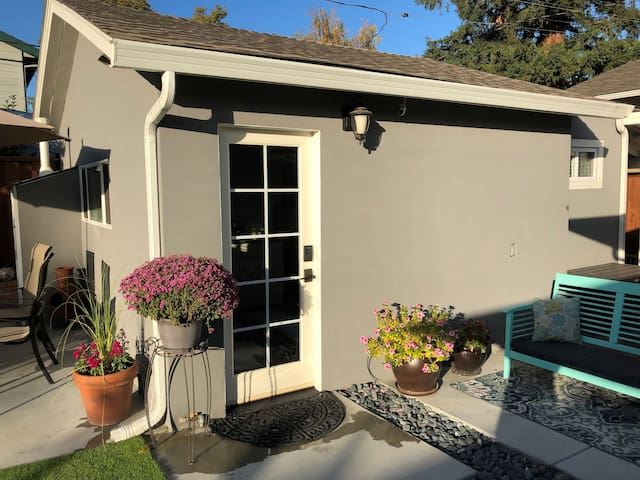 Private Guest House in Willow Glen