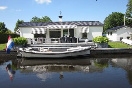Modern and luxurious holiday home in Langweer near sailing waters