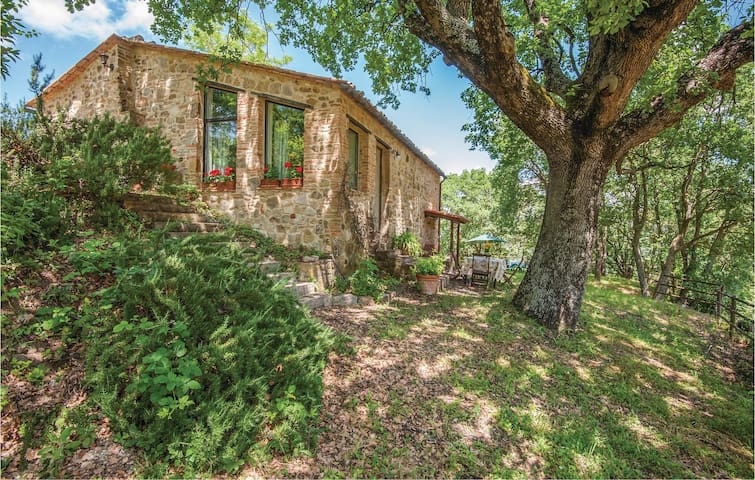 Holiday cottage with 1 bedroom on 75m² in Radicondoli -SI-