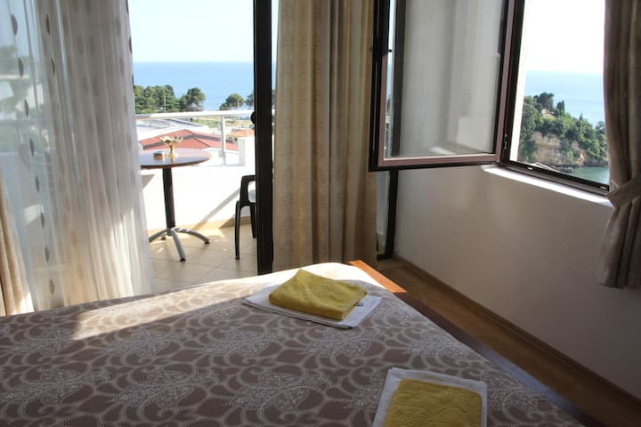 Superior Double Apartment /Twin Rooms With SeaView