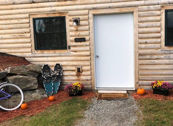 Log Cabin Suite, Mountain views, Adventure awaits!