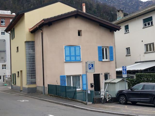 Casetta Bellinzona-Ravecchia vicino ospedale
