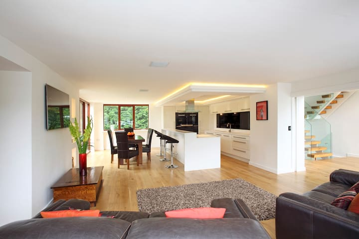 Luxurious rooms in spacious home near Chester - Mickle Trafford - Huis