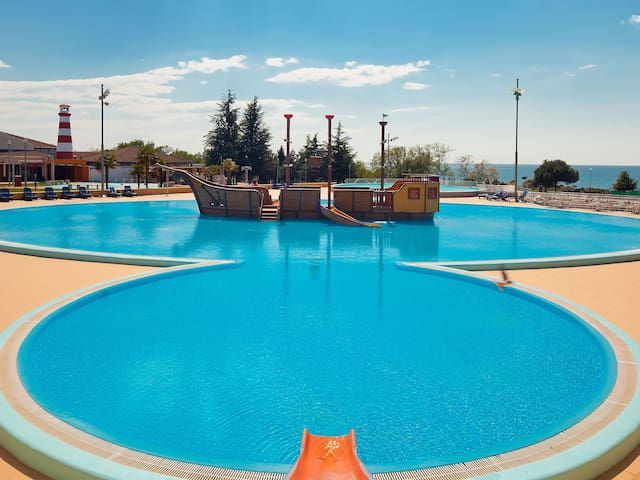 3-room mobile home 32 m² Camping Park Umag for 6 persons