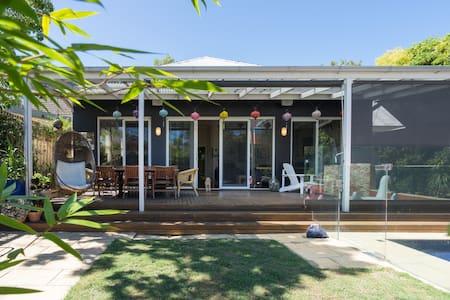 Elwood/St Kilda home with swimming pool - エルウッド - 一軒家