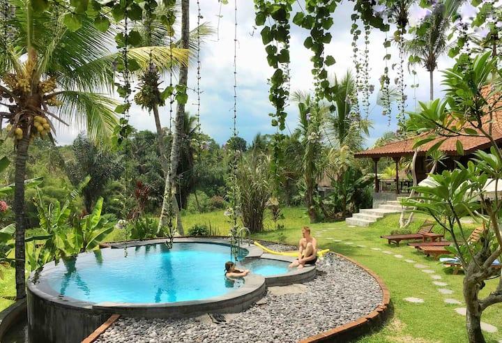 PROMO Romantic SANDE Sebatu Cottage, Ubud, Bali