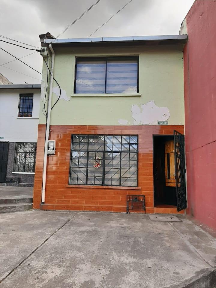 Casa familiar a 30 minutos del aeropuerto de Quito