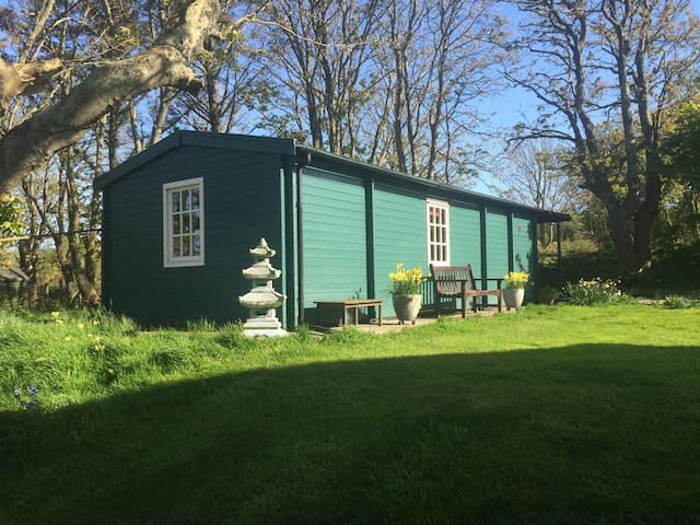 Cosy Cabin for Two People on Pembrokeshire Coast - Trefin - Cabaña