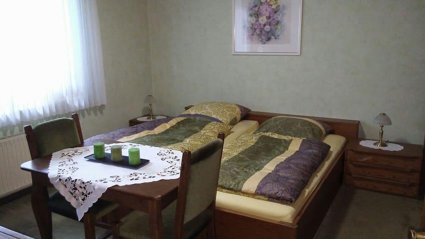Bedroom/ Schlafzimmer
