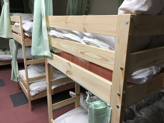 Single bed in a 10 bed dormitory - 下呂市
