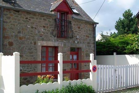 Mont Saint Michel-Maison de pêcheur - Cherrueix