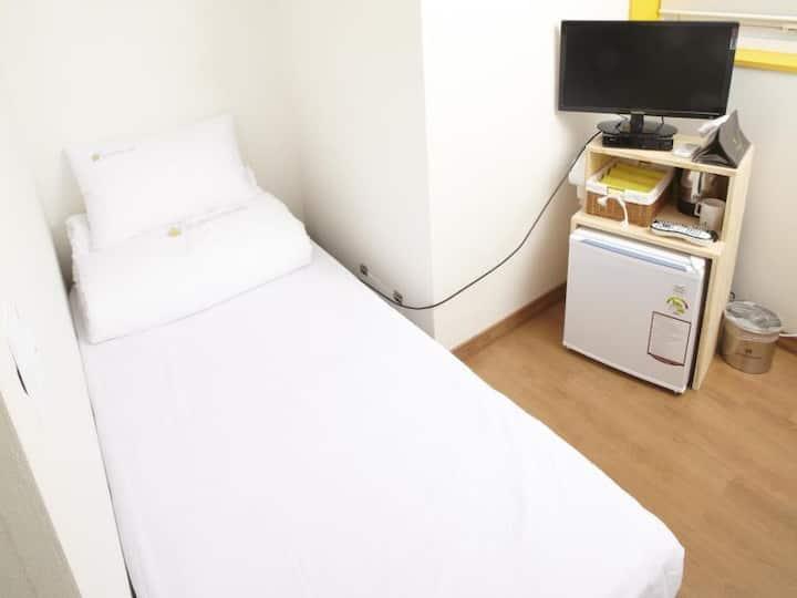 Single room - seoulstation 3mins