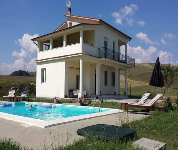 Bellavista- Villa with private pool
