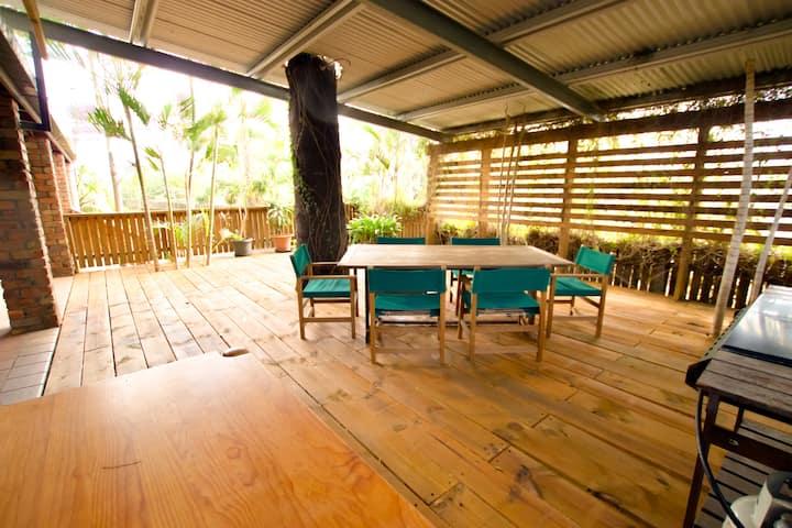 Junction Cottage 3 bedroom home in Samford Village
