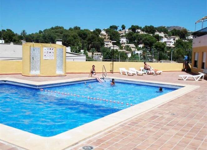 Moraira 4-6 pax with pool, aircon & welcome basket