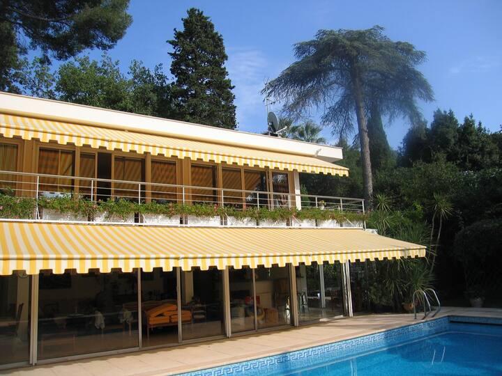 villa avec piscine au cap d'Antibes