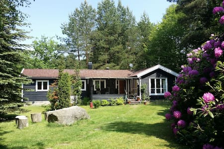 Charming cabin by Skyrup Golfklub - Hässleholm S