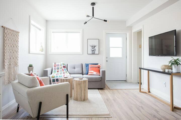"Living Area w/43"" HD Smart TV"