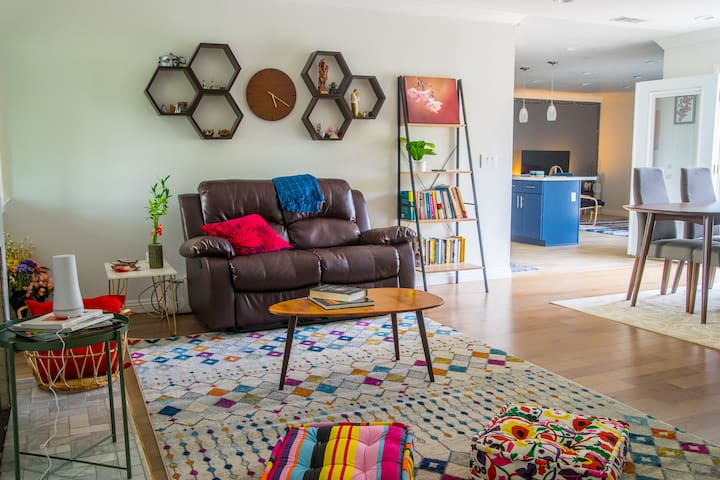 Experience a cozy, beautiful single family home