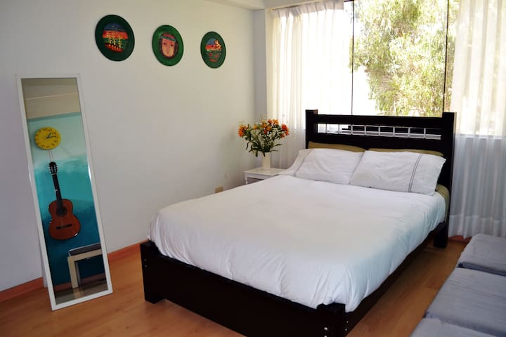 Cool room 20 min from Miraflores - San Borja