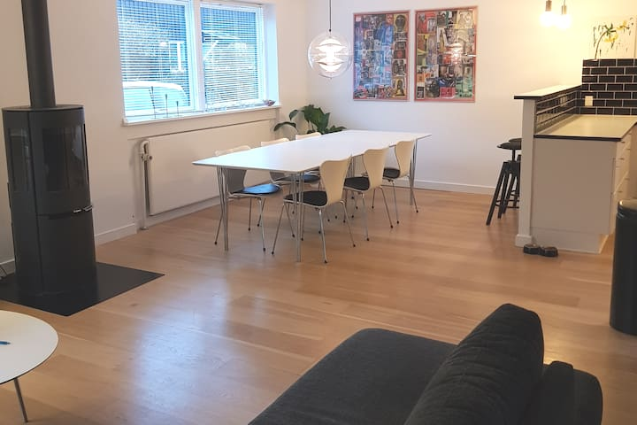 Cozy and spacious house 10 km from city center CPH