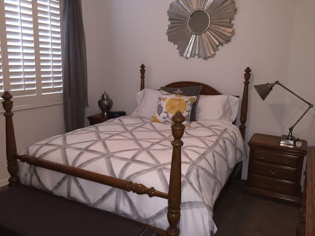 Bed+Breakfast in Desert Ridge N Phx