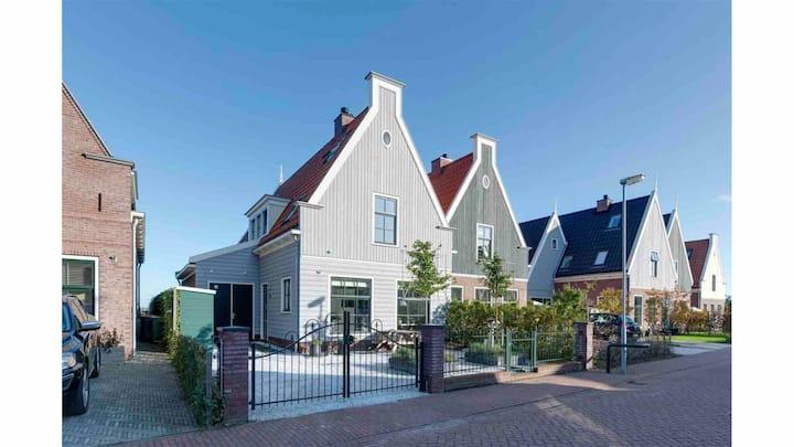 Major Family house near Amsterdam (garden & views)