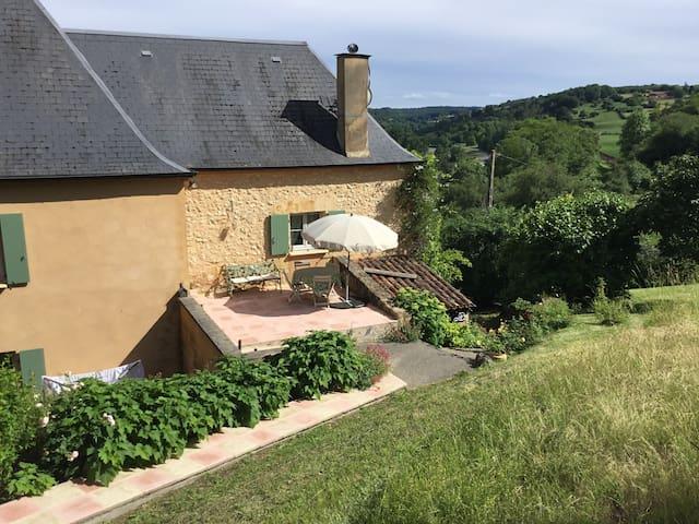 La Côte, price includes 4 guests.