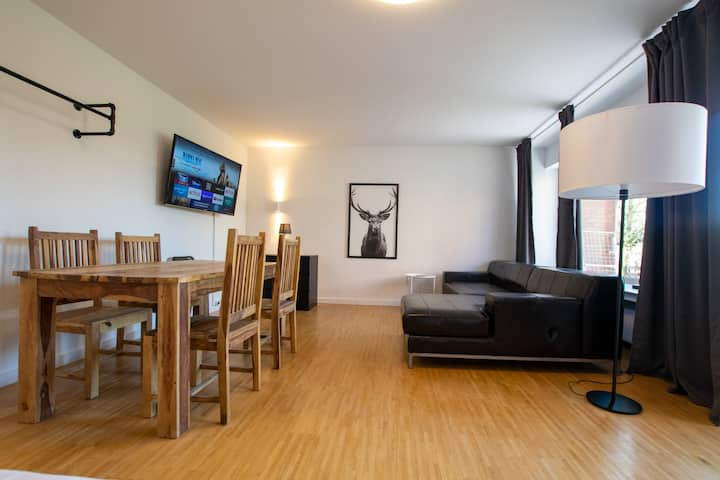 Tolstov House - 3 Room Apartment in Great House