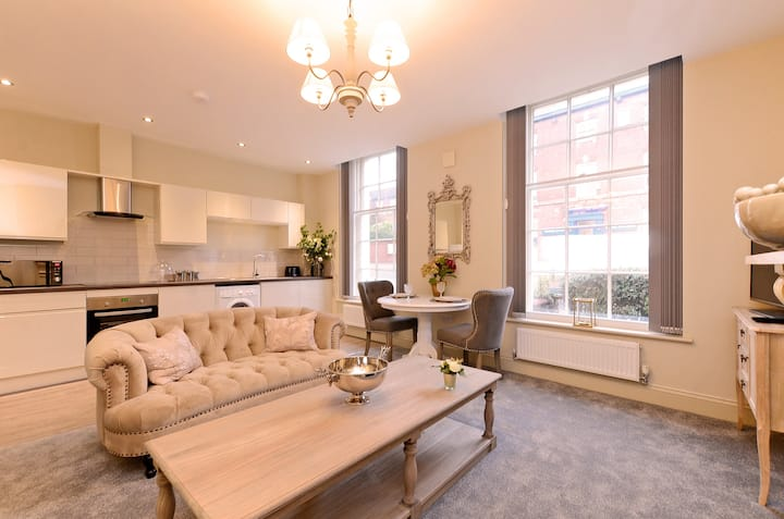 The Bessemer Suite £995PCM including bills