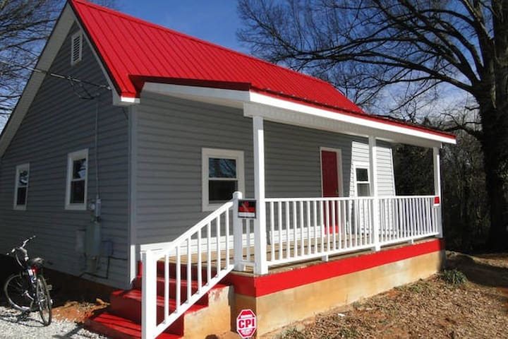 Swamp Rabbit Cottage Just Steps From Bike Trail - Greenville - Casa