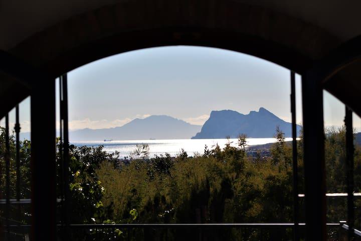 Large Villa, Sea & Gibraltar view, private pool