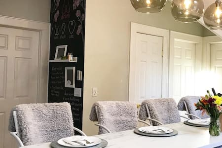 The Classic Getaway 2BR by Fairfield & Seaside bch
