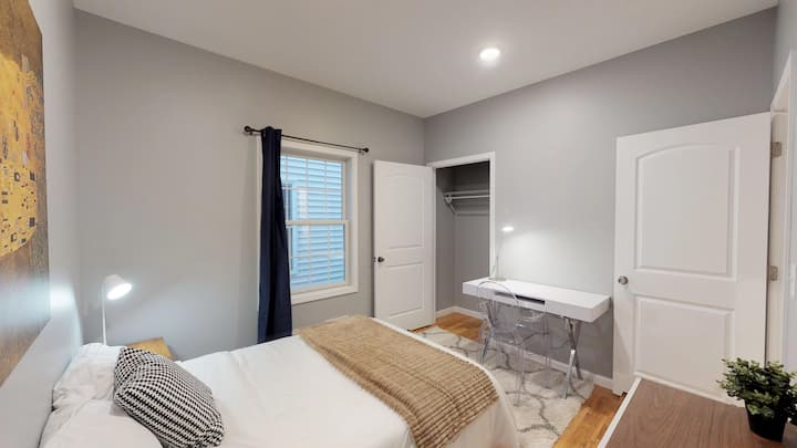 Comfortable Room for Longterm Stay** 30 min T.Sq**